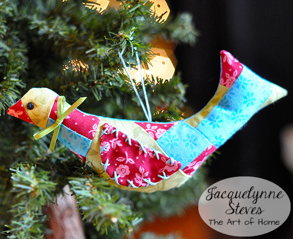 Christmas Patchwork Bird Ornament Tutorial | JacquelynneSteves.com