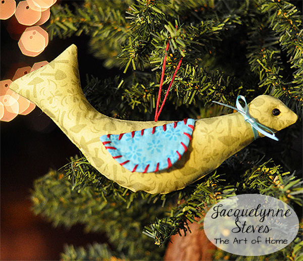 Bird Ornament to Sew | JacquelynneSteves.com