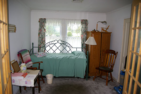 Bedroom Makeover Before- Jacquelynne Steves