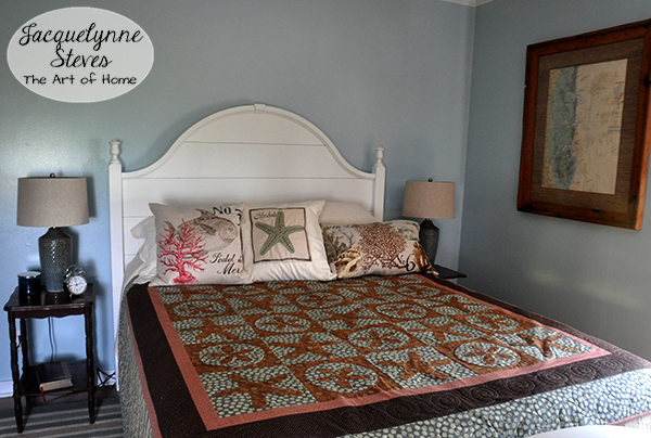 BeachBedroomQuilt-JacquelynneSteves