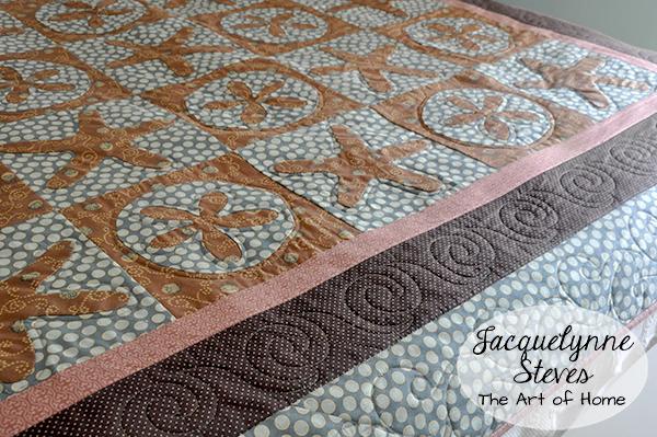 Sand dollar applique quilt- Jacquelynne Steves