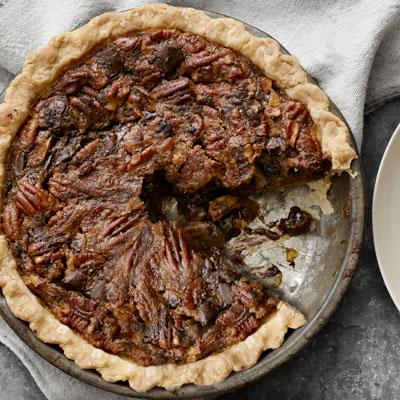 Thanksgiving-chocolate-chunk-pecan-pie