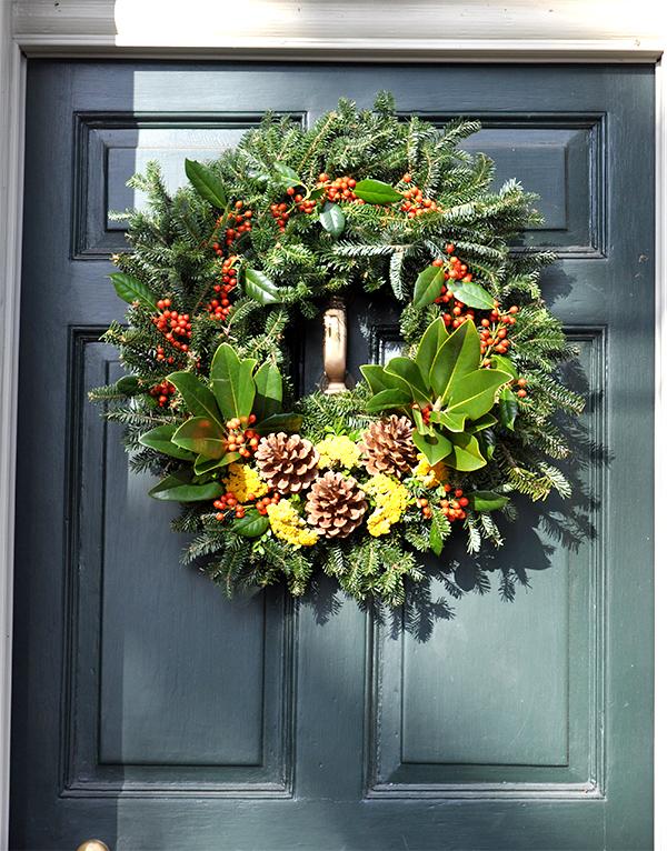 ChristmasDoorWreath2_JacquelynneSteves