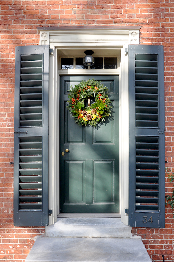 ChristmasDoorWreath_JacquelynneSteves