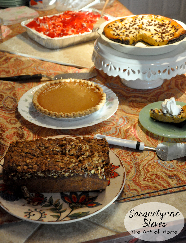 ThanksgivingDessertTable- JacquelynneSteves