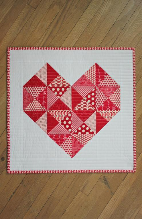 full_9009_185189_TrueLoveMiniQuilt_2