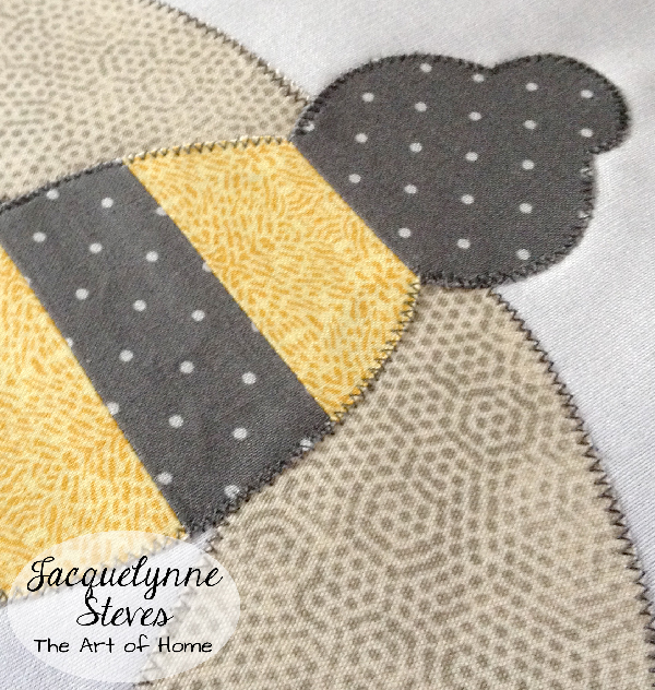 BeeQuiltPreview-JacquelynneSteves