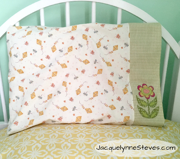 FlowerAppliquePillowcase-JacquelnneSteves_