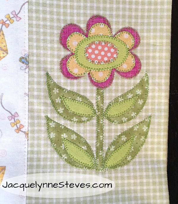 FlowerAppliquePillowcaseCloseup-JacquelnneSteves