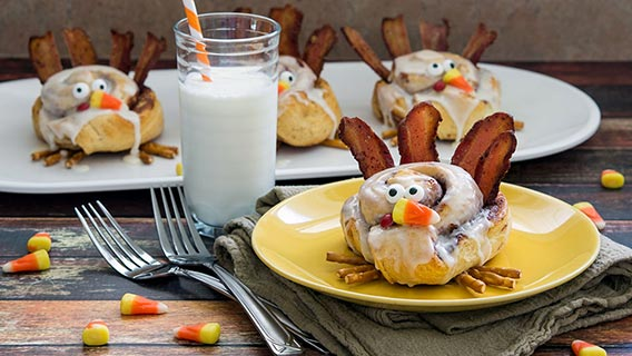 cinnamon-roll-turkeys_01