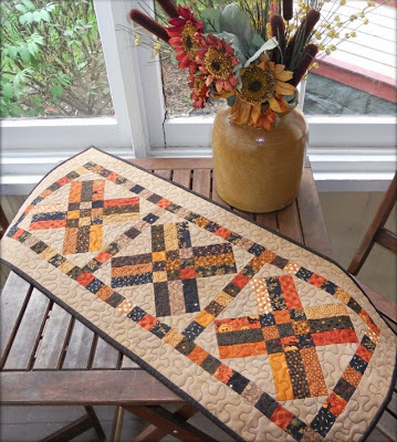 Free Fall Table Runner Pattern - great for Thanksgiving!
